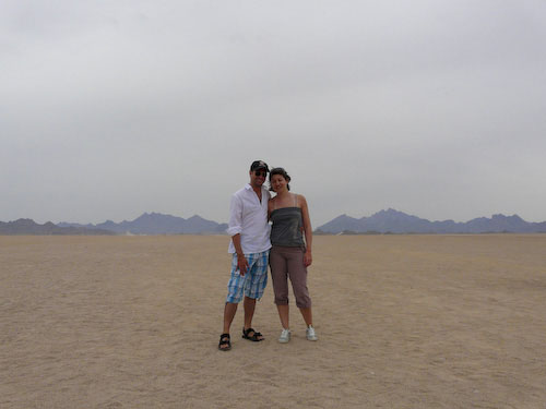 Aude and Matt in the desert