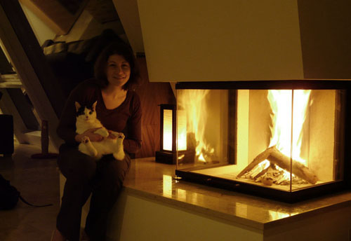 Aude & Daisy in front of the fireplace