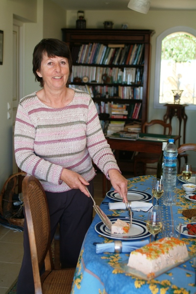 Aude's mother presents lunch